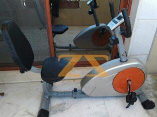 دراجة مغناطيسية مع مسند شبه جديدة