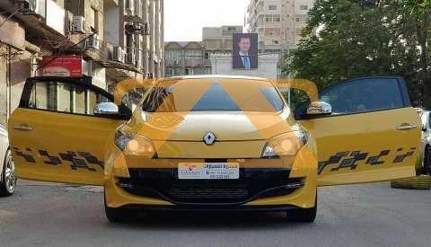 للبيع في حماه سيارة رينو آر إس