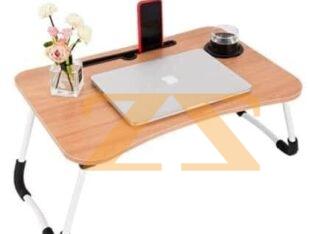 طاولات خشب ملونة