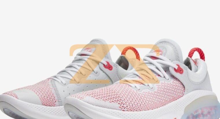 حذاء رياضة نسائي