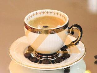 فناجين قهوة فيرزاتشي مطلية بماء الذهب