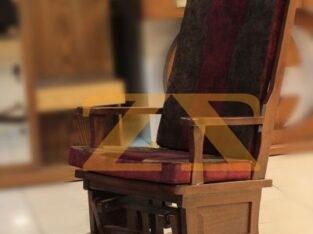 كرسي هزاز من الخشب الزان