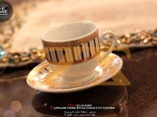 فناجين قهوة مذهبين